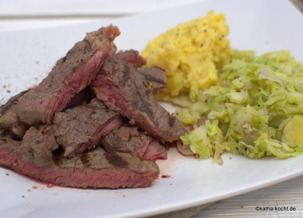 Steak_mit_Steckrübenpüree_und_Rosenkohl_ (6)