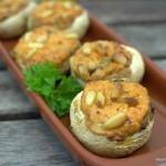 Tapas – Champignons mit Paprikafüllung und Pinienkernen