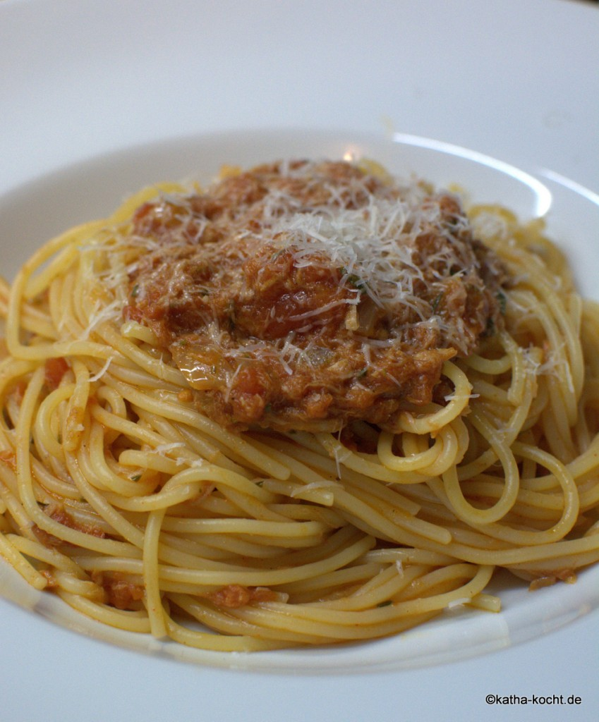 Spaghetti_mit_Thunfischsauce_ (3)