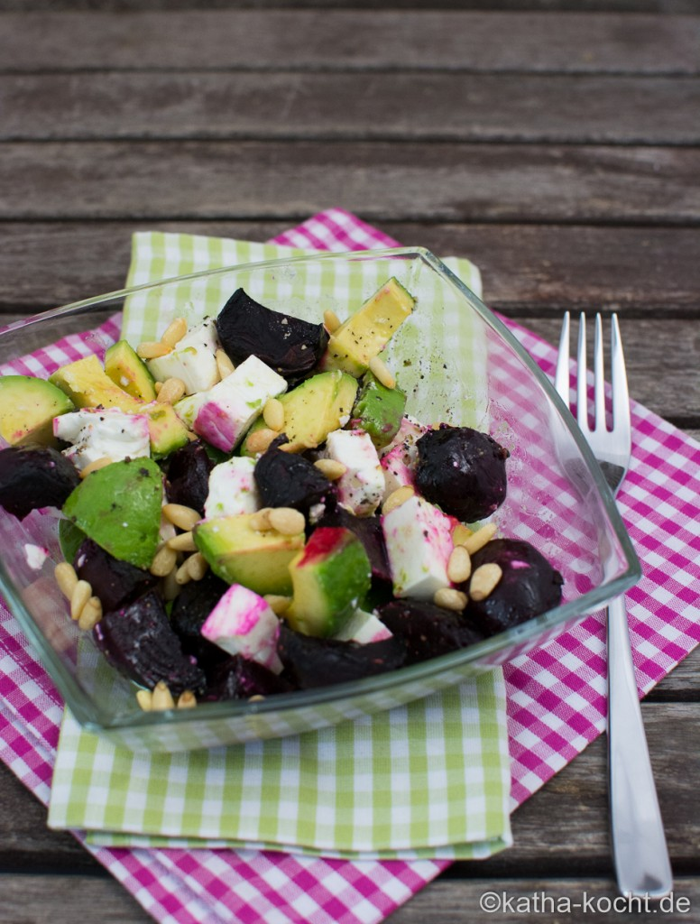 BUnter_Rote_Bete-Avocado_Salat_ (6)