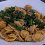 One Pan Pasta mit Mangold und Hackfleisch