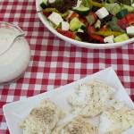 Kabeljau auf buntem Salat
