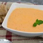 Tomaten Ricotta Suppe mit etwas Minze