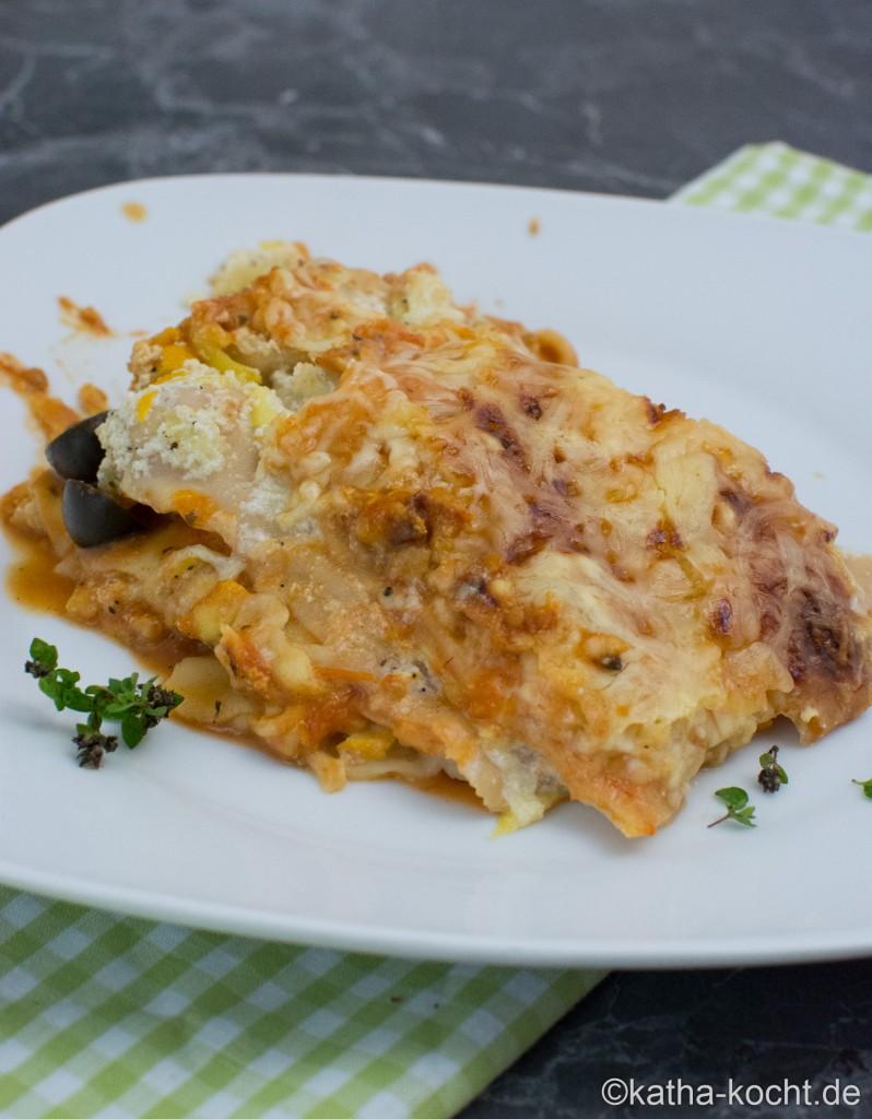Fisch_Lasagne_mit_Zucchini_und_Tomatensauce_ (27)