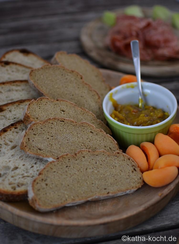 Italienische_Käseplatte_mit_Brot_ (5)