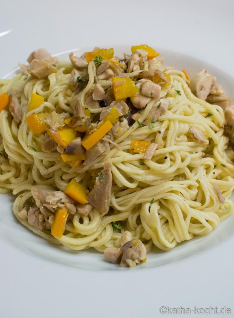Spaghetti_mit_Zucchini_und_Brathähnchenresten_ (5)