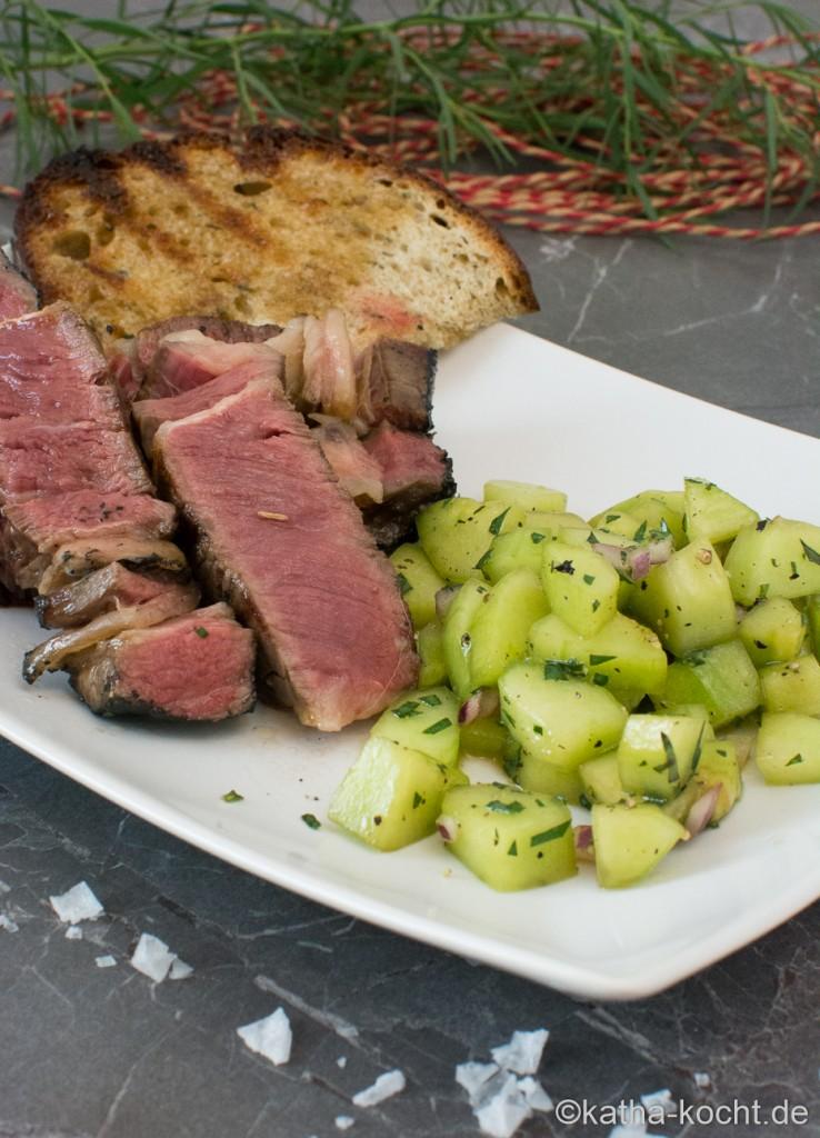 Steak_mit_Gurkensalat_und_Estragon_ (17)