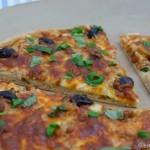 Thunfisch Pizza mit weißer Sauce