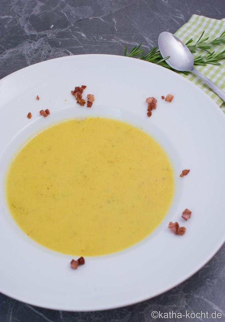 Zucchini_Suppe_mit_Käse_ (11)