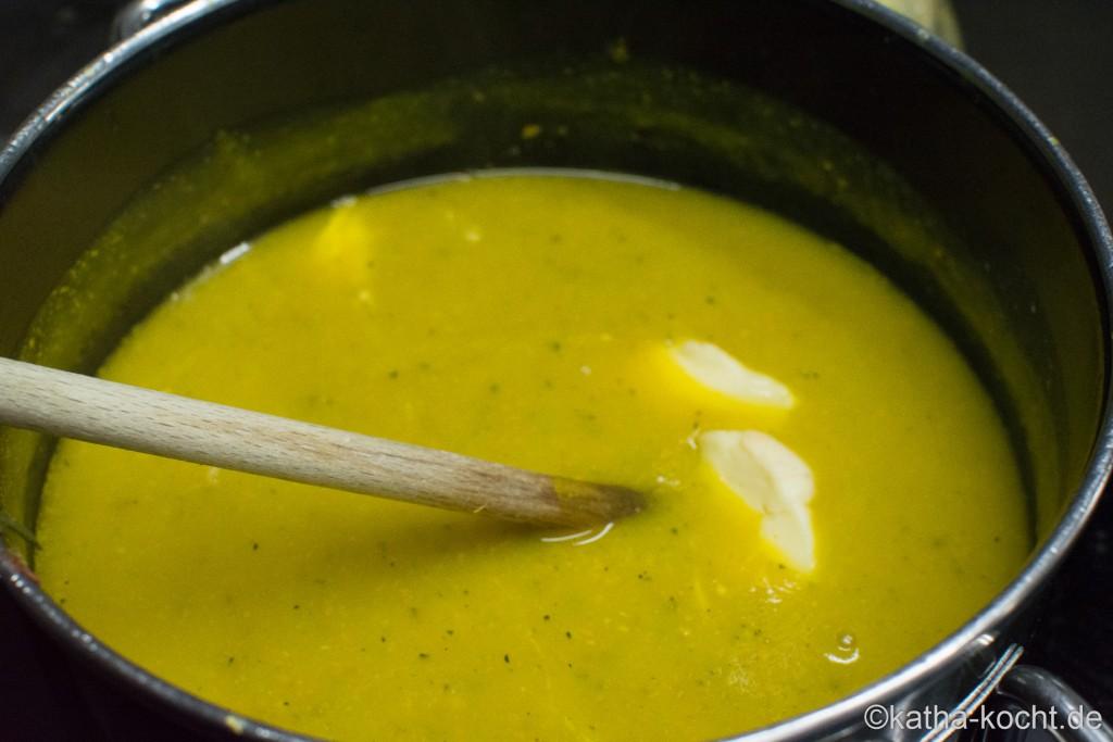 Zucchini_Suppe_mit_Käse_ (5)