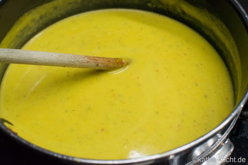 Zucchini_Suppe_mit_Käse_ (6)