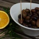 Oliven mit Orange und Ysop