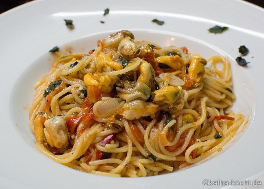 One pot pasta mit miesmuscheln katha kocht - Miesmuscheln kochen ...