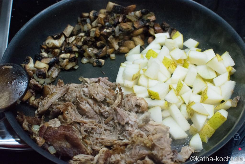 Pulled_Pork_Sandwich_Mit_Birne_und_Pilzen_ (1)