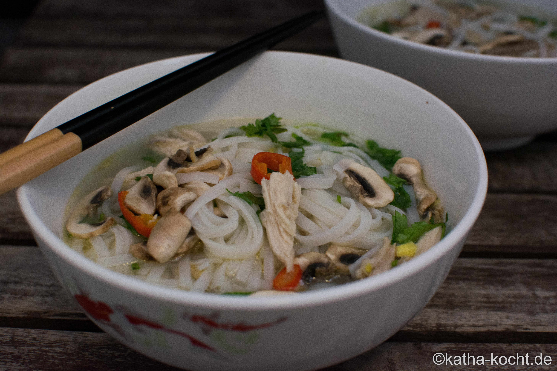 Die Suppenhuhn Challenge – ein Huhn für drei Gerichte - Katha-kocht!