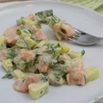 Kein klassischer Gurkensalat – Gurkensalat mit Lachs