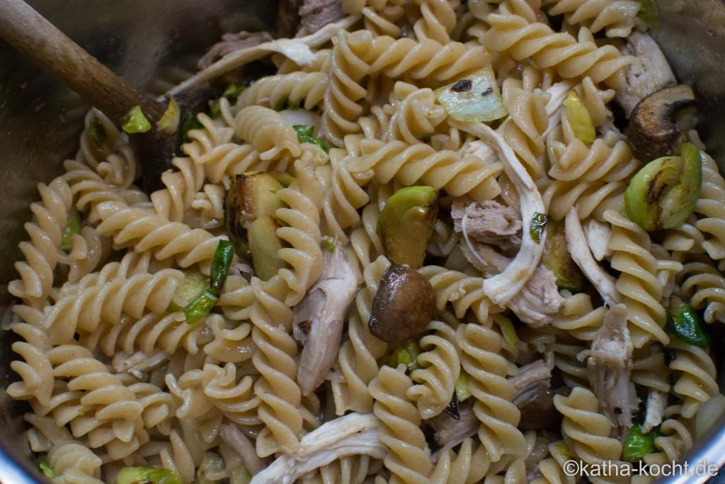 Pasta_mit_Huhn_und_Rosenkohl_ (9)