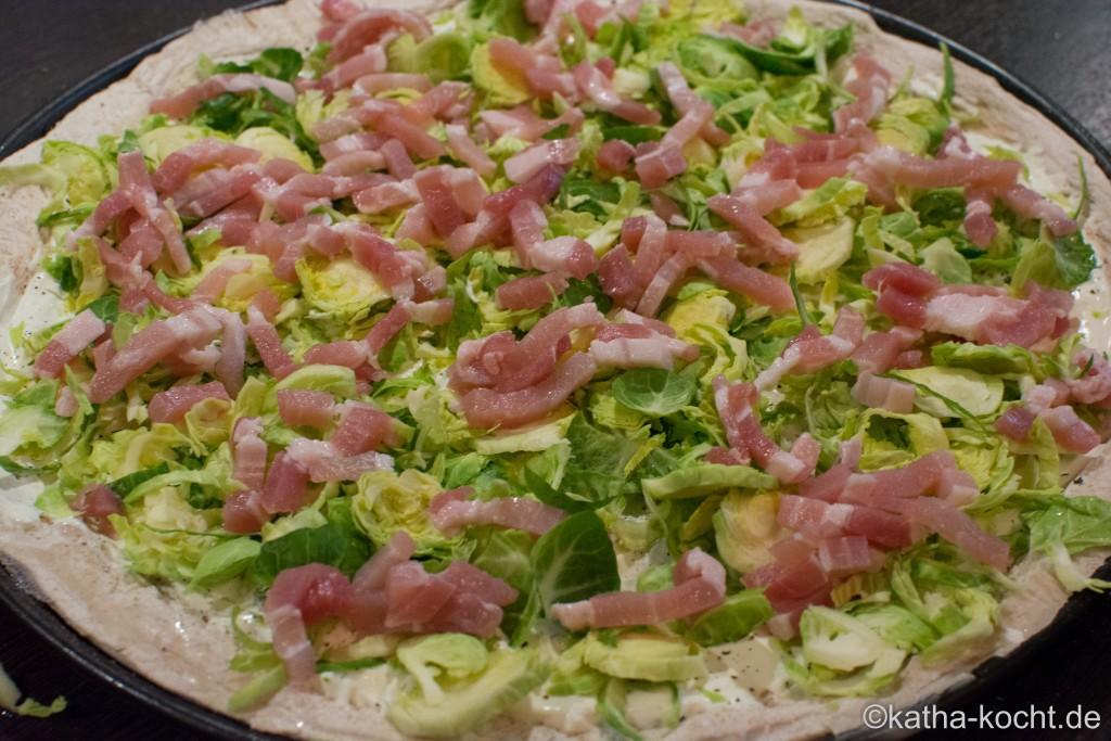 Pizza_mit_Rosenkohl_ (2)