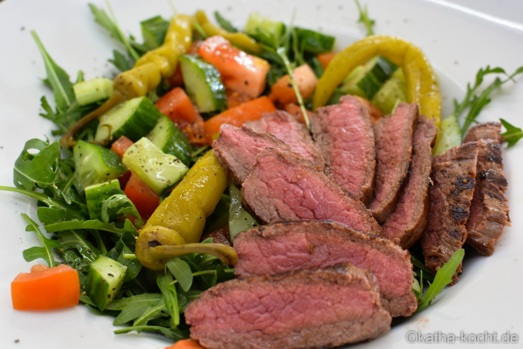 Salat_mit_Steakstreifen_ (4)