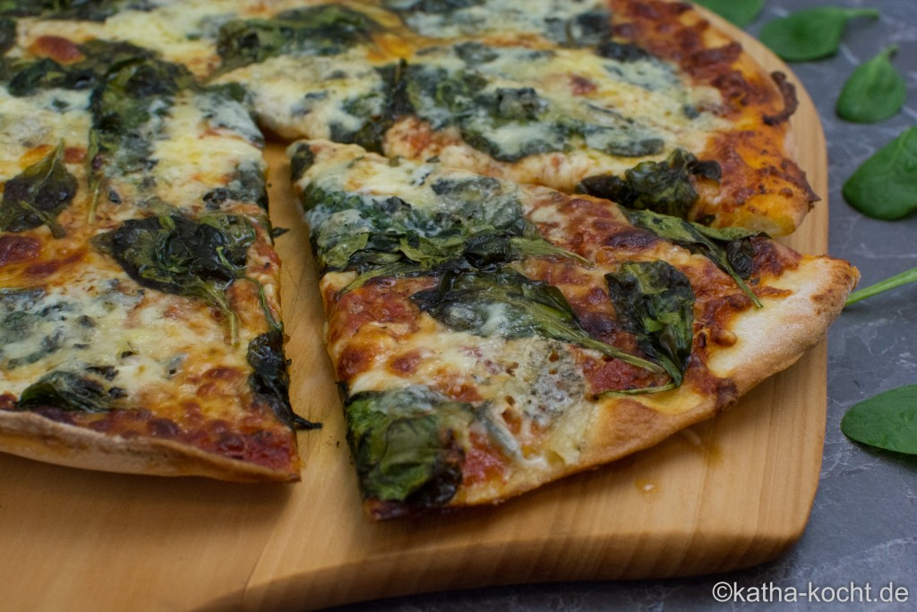 Spinat-Gorgonzola Pizza