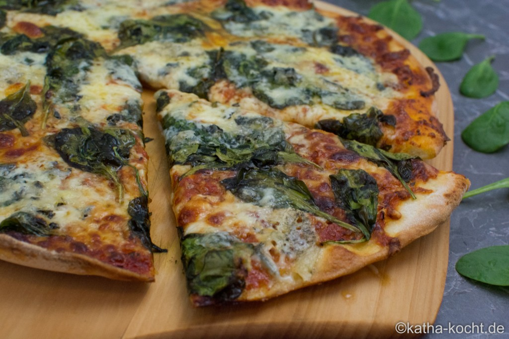 Spinat_Gorgonzola_Pizza_ (4)