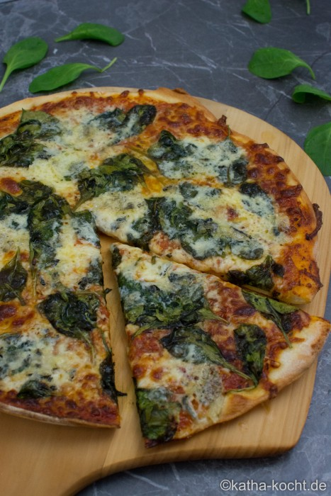Spinat_Gorgonzola_Pizza_ (9)