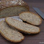 Haferflocken Brot aus dem Römertopf