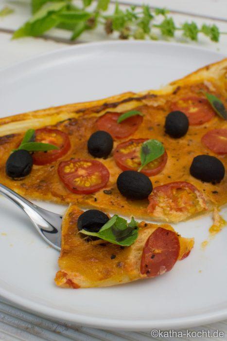 Blätterteigpizza_für_Tomatenfans_ (15)