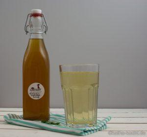 Zitronenmelisse Sirup