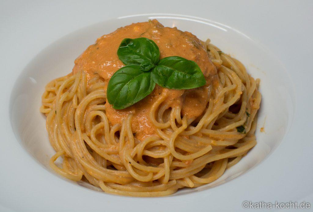 Spaghetti_mit_Tomaten_Mascarpone_Sauce_ (6)