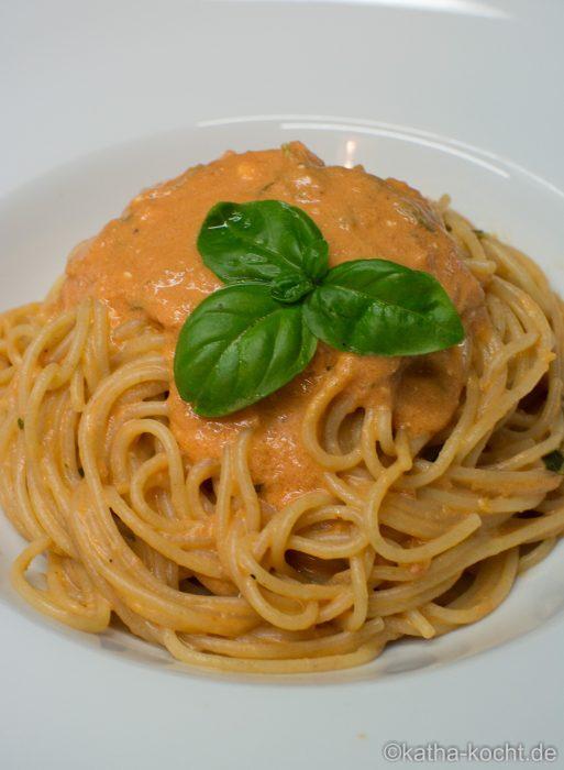 Spaghetti_mit_Tomaten_Mascarpone_Sauce_ (8)