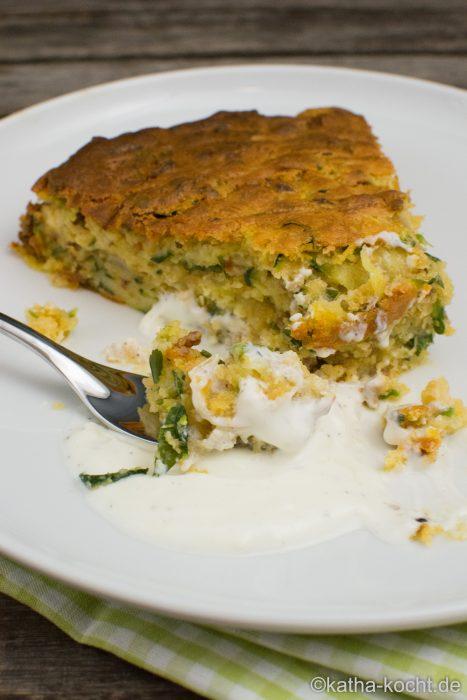 Zucchinikuchen mit Hackfleisch und Käse