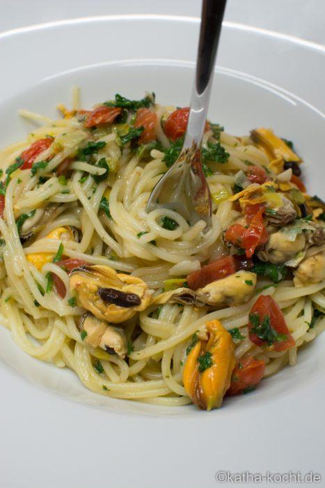 one pot pasta mit miesmuscheln und lauch
