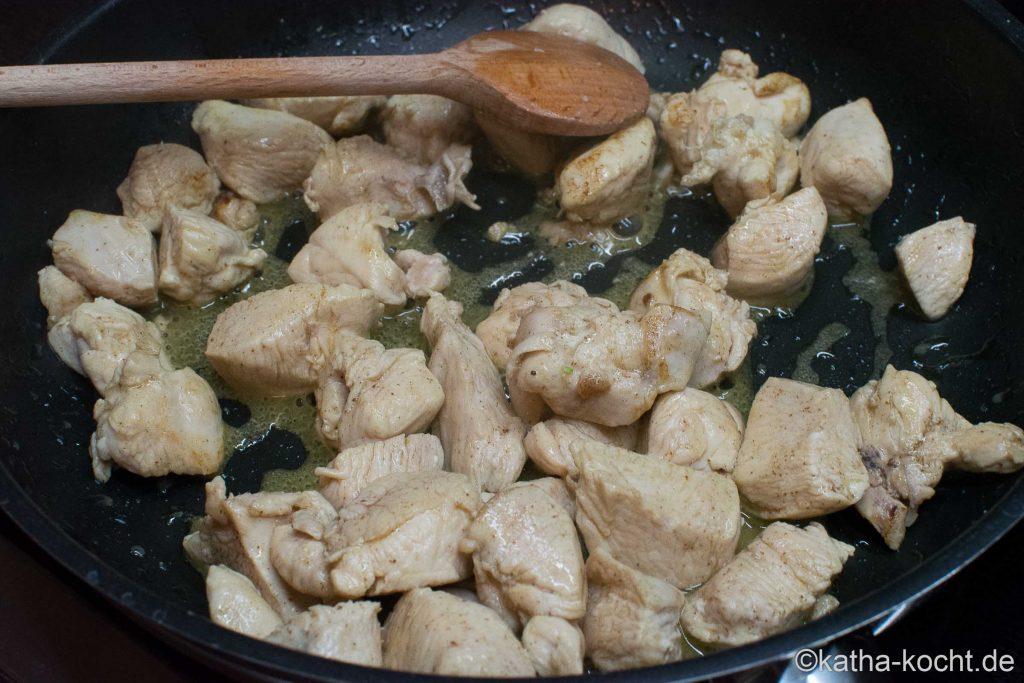 Linguine mit Hähnchen und Ofengemüse