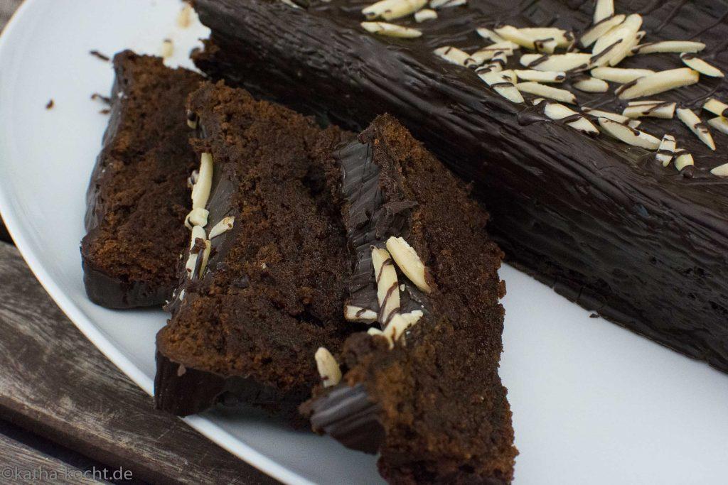 Traumhafter Schokoladenkuchen mit Mandelmus