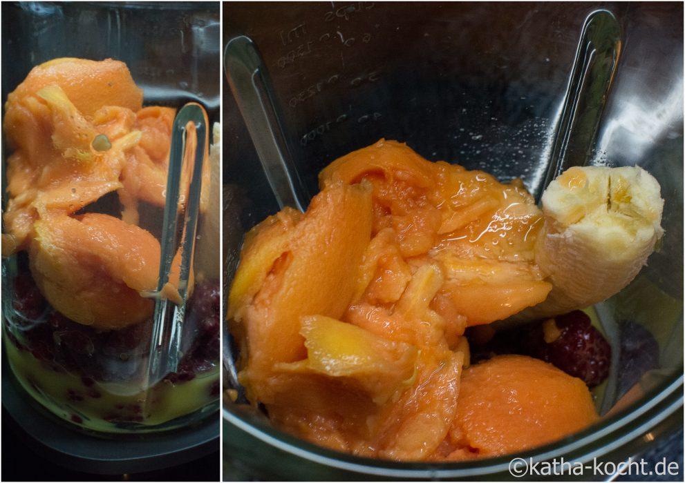 Banane-Himbeer Smoothie mit Papaya und Kokosmilch