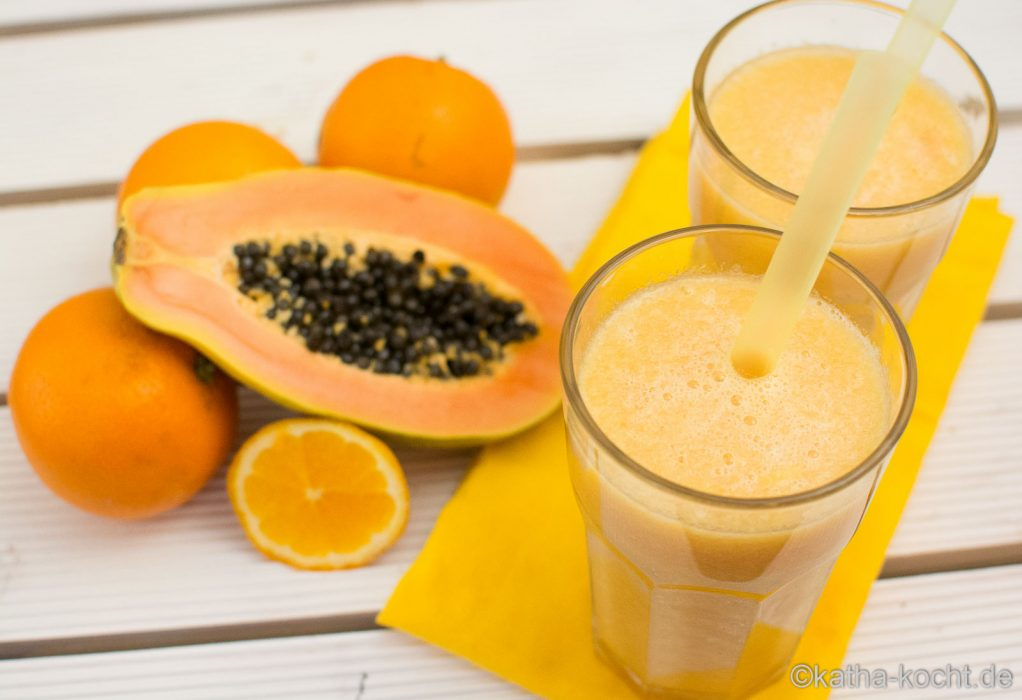 Papaya-Orange Smoothie mit Honigmelone