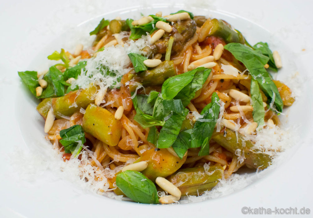 One Pot Pasta mit Spargel-Sugo - One Pot Meals