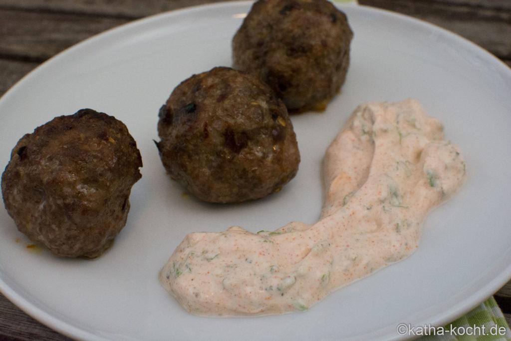 Gebackene Lammbällchen mit Joghurt