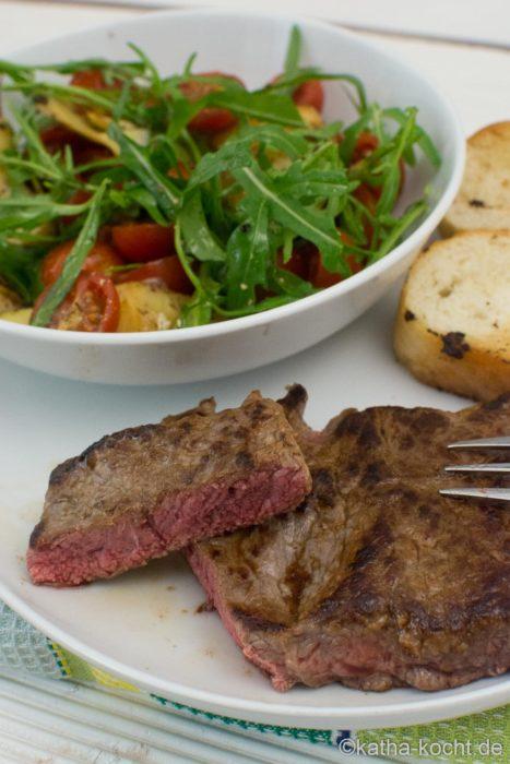 Steak mit lauwarmem Artischockensalat