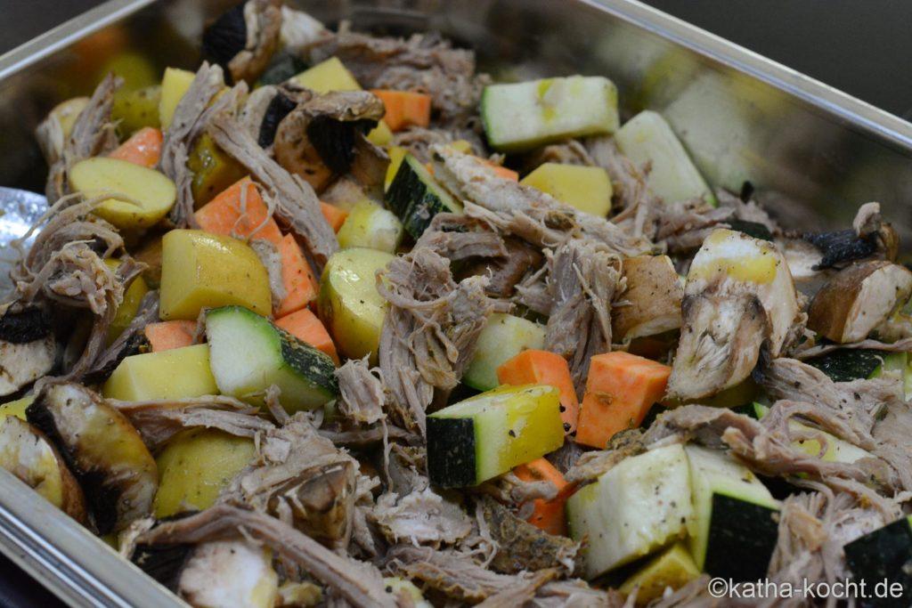 Pulled Pork mit Herbstgemüse