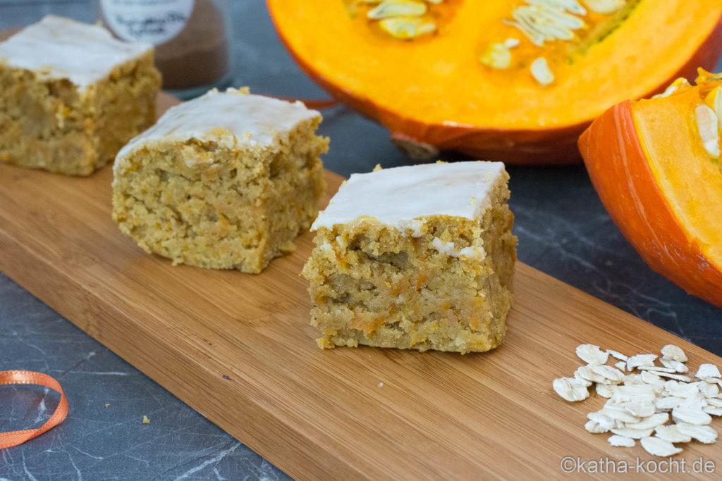 Saftiger Kürbiskuchen mit Pumpkin Pie Spice