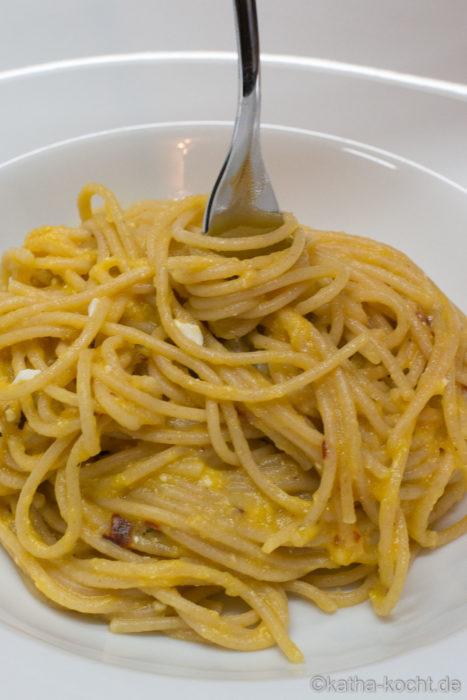 Feta-Kürbis Spaghetti - Spaghetti mit Feta-Kürbis Sauce