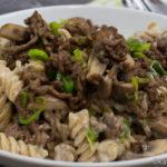Pasta mit Hackfleisch und Lauch