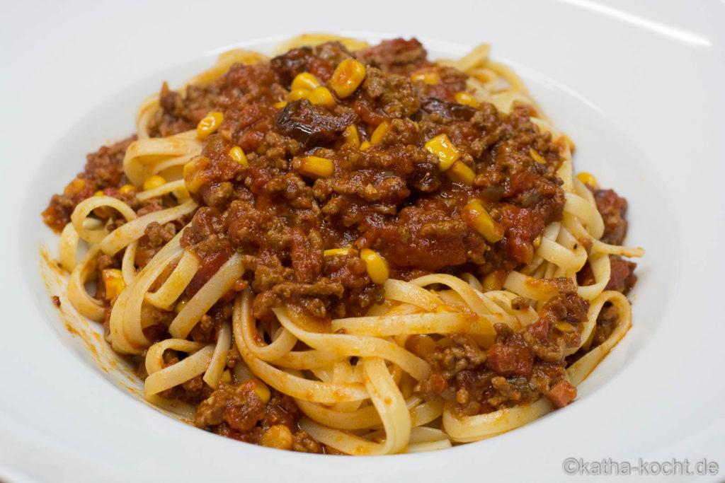 Spaghetti mit Mais-Bolognese