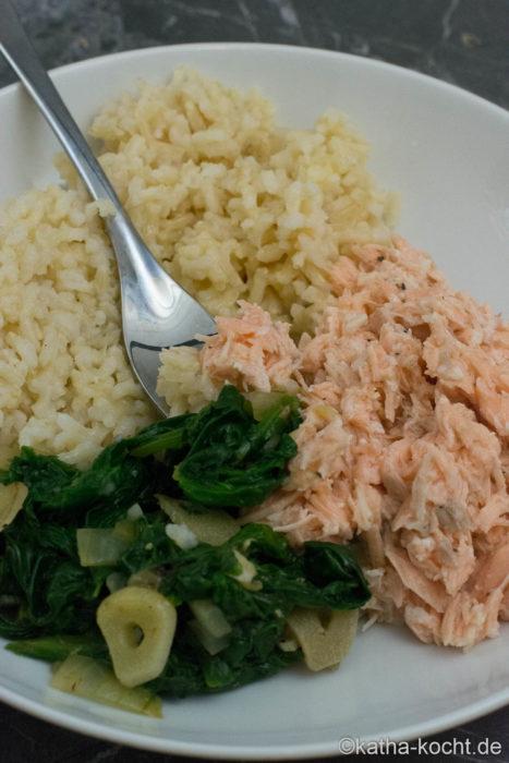 Pulled Lachs mit Meerrettich und Spinat