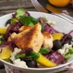 Wintersalat mit Hähnchenbrust und Orangen