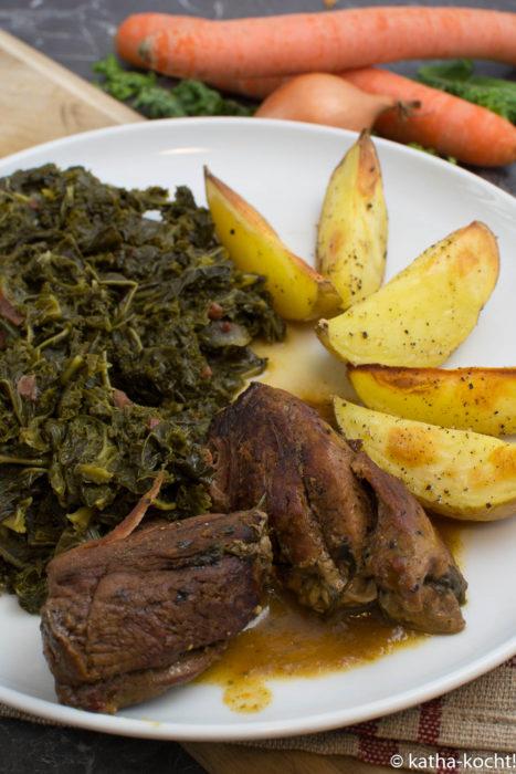 Wildschwein mit Grünkohl und Kartoffeln
