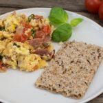 Rührei ohne Fett braten - ein leckeres Frühstück