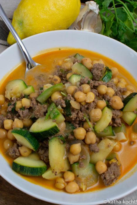 Scharfes Kichererbsencurry mit Hackfleisch und Kokosmilch